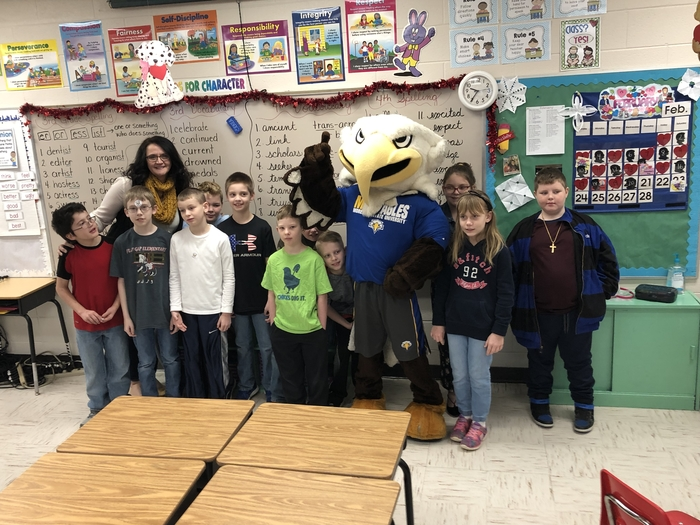 Mrs. Bayes homeroom enjoyed their time with MSU Mascot,  Beaker!  💛💙💛💙