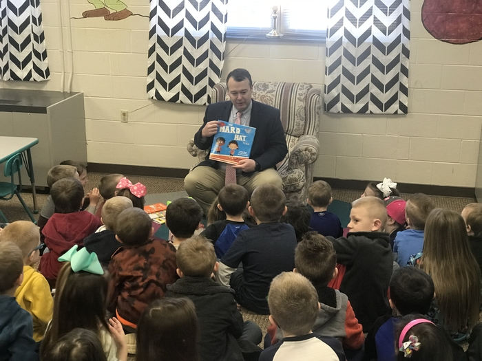 Mr. Cochran reads to primary at Flat Gap Elementary
