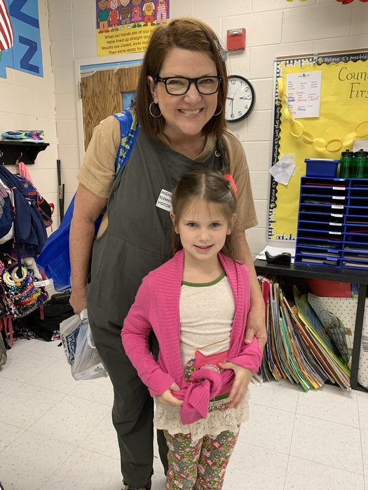 Thanks, Annabelle, for sharing your Grammy Tammy with your classmates!!