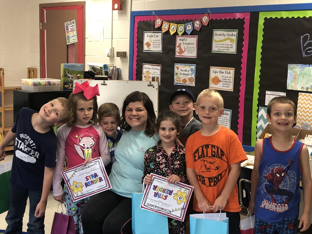 Mrs. Davis and her reading students