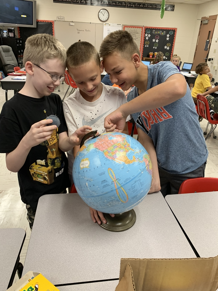 Maps and globes in Ms. Pennington's 5th grade
