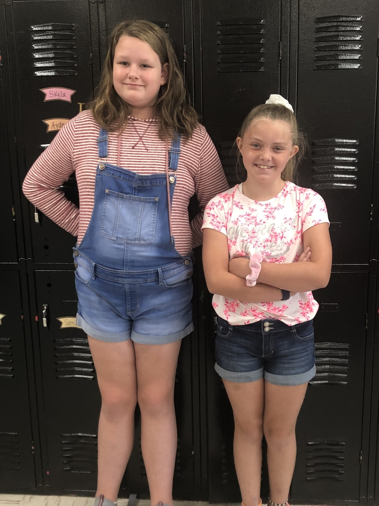 Congratulations to our 4th Grade Apple Day Math winner Trinity Caudill and runner-up Trinity Estep! 🍏