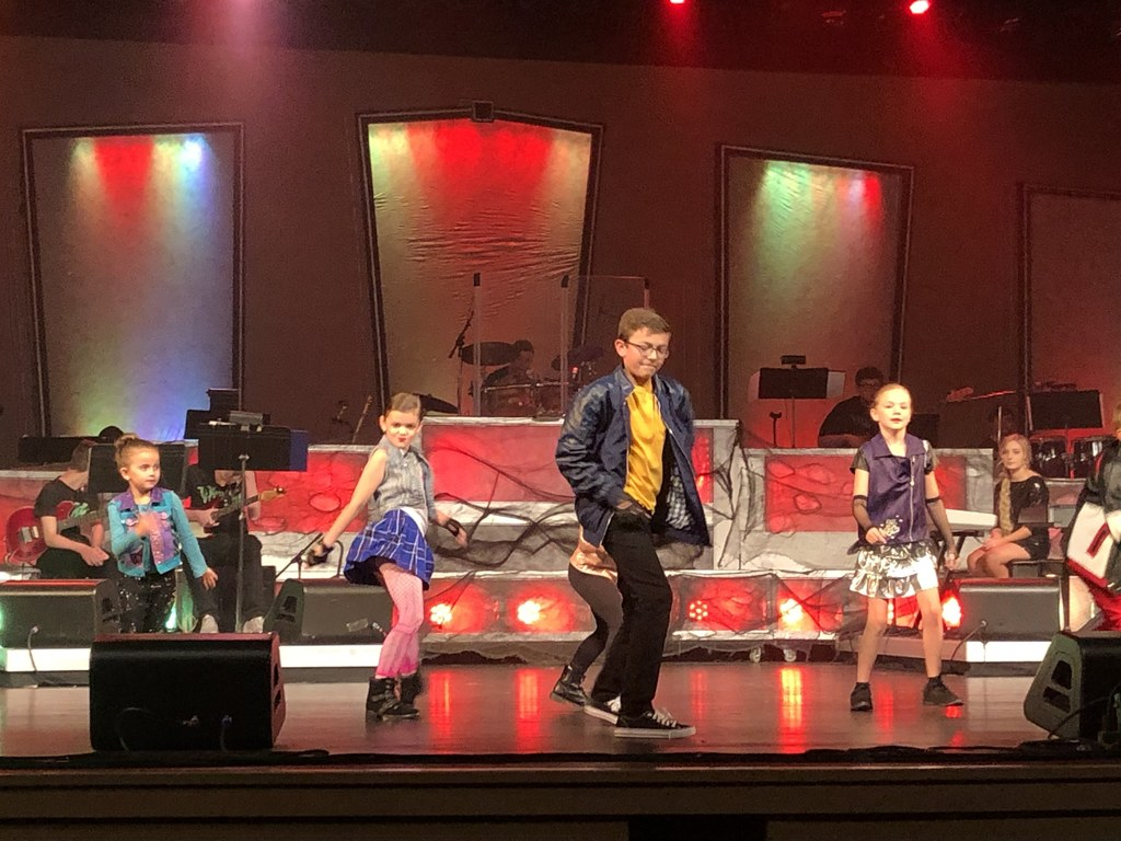 JCMS students perform in Kentucky Opry Junior Pros Halloween show at MAC.