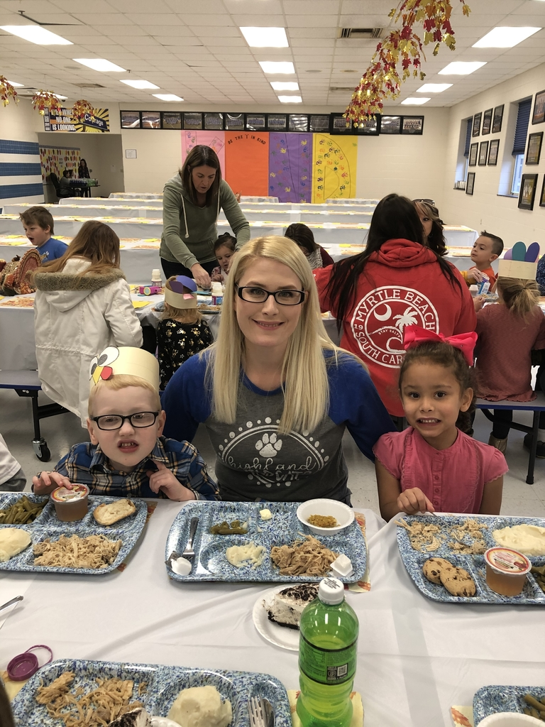 Christina eating Thanksgiving Dinner with Aleigha and Elijah!